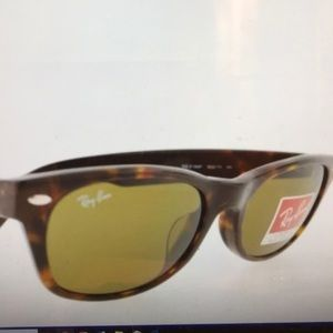 Ray-Ban Wayfarer Tortoise Model 2168 90273